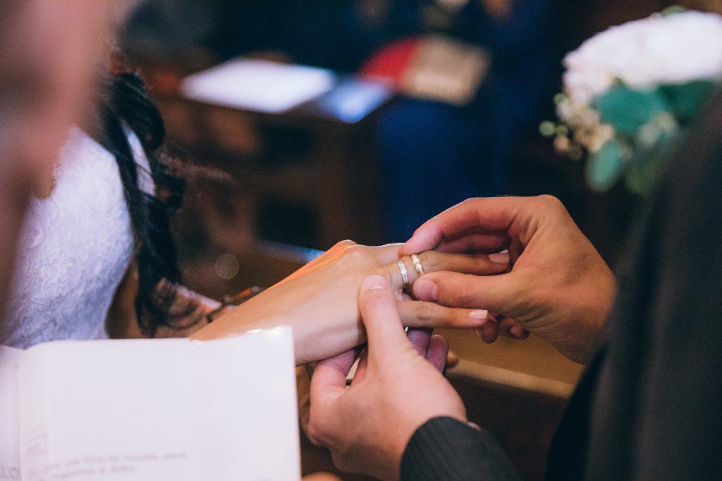 bride-groom-wedding-ring-vows_4460x4460