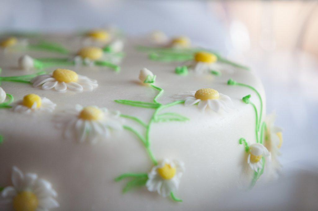 daisy-floral-cake_4460x4460.jpg