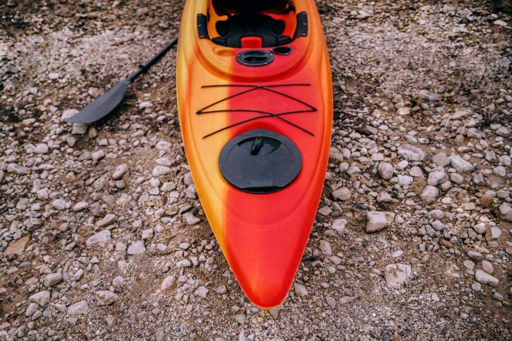 kayak-on-shore_4460x4460