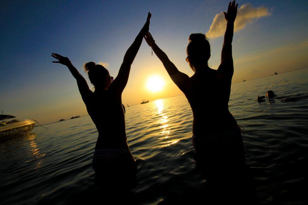 ocean-sunset-swim_4460x4460