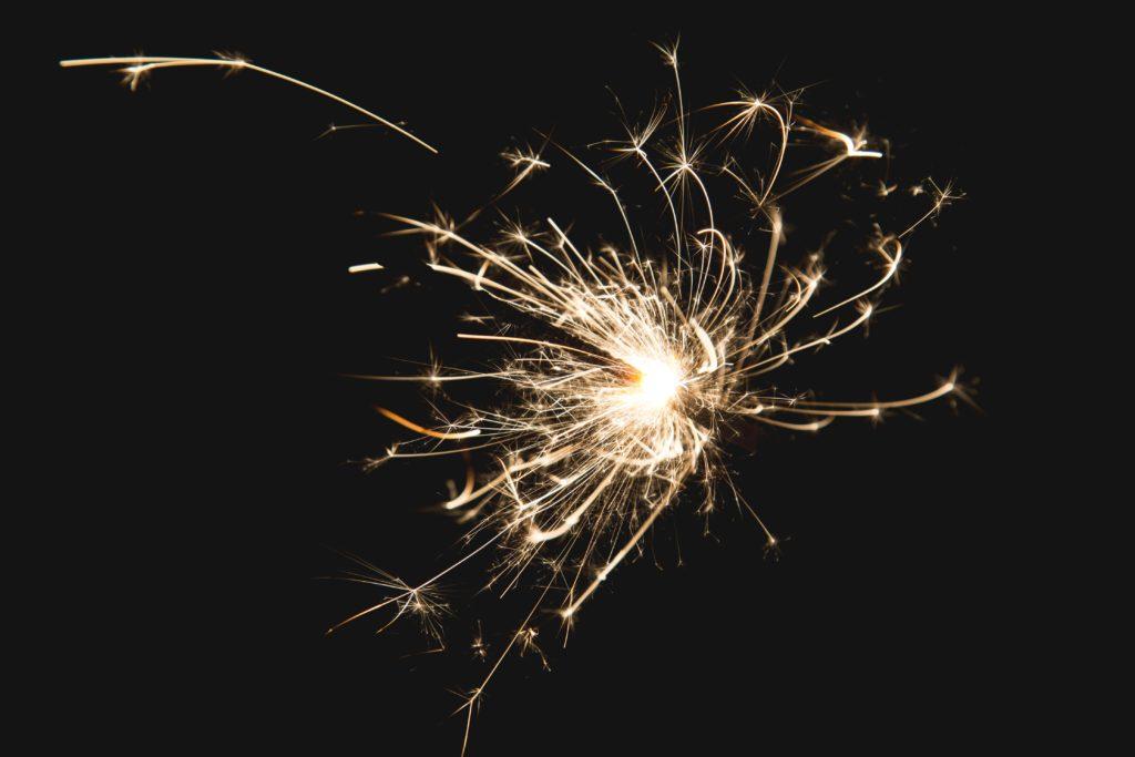sparkler-at-night_4460x4460