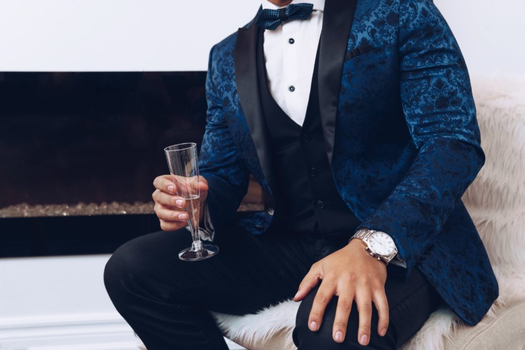 tuxedo-and-champagne_4460x4460