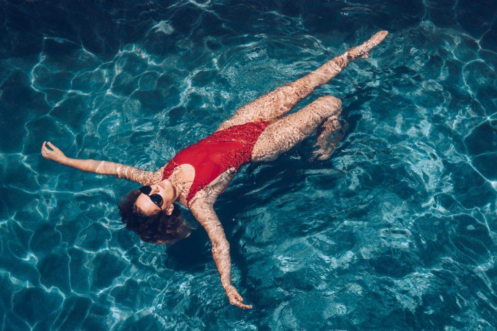 woman-in-pool_4460x4460-2.jpg